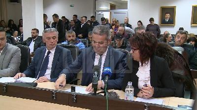 PRESS KONFERENCIJA: OKO STOTINU ČLANOVA I POLITIČKIH PREDSTAVNIKA ISTUPILO IZ SBB USK