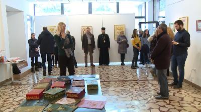 KULTURNI CENTAR BIHAĆ: OTVORENA IZLOŽBA PRAVOSLAVNIH I ISLAMSKIH KALIGRAFSKIH RADOVA