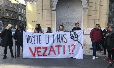 PROTEST U SARAJEVU ZBOG PAZARIĆA: TO SVE TREBA STRPATI U ZATVOR!