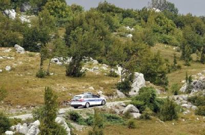 HRVATSKA: POLICIJA U ŠUMI PRONAŠLA 71 MIGRANTA