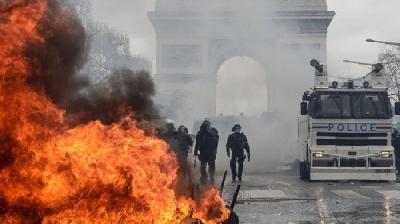 DRUGI DAN PROTESTA U PARIZU: POREMEĆAJI U SAOBRAĆAJU, ZATVOREN DVORAC VERSAILLES