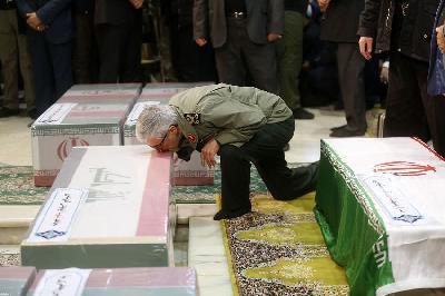 UBIJENI IRANSKI GENERAL SOLEIMANI SAHRANJEN U RODNOM GRADU