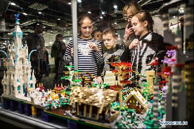 VARŠAVA: IMPRESIVNA IZLOŽBA SASTAVLJENA OD VIŠE MILIONA LEGO KOCKICA