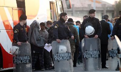 SUKOBI POLICIJE I STANOVNIKA GRČKIH OSTRVA ZBOG IZGRADNJE CENTARA ZA MIGRANTE