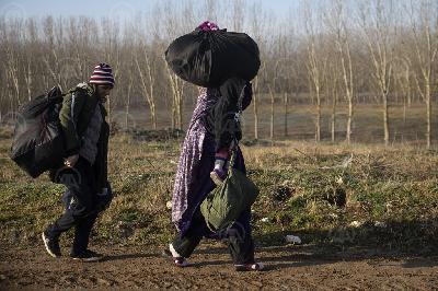 TURSKA OTVORILA GRANICU ZA ODLAZAK MIGRANATA: PREKO EDIRNEA TURSKU DO SADA NAPUSTILO 76.358 MIGRANATA
