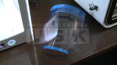 KANTONALNOJ BOLNICI BIHAĆ ISPORUČENE ZAŠTITNE MASKE, URAĐENE NA 3D PRINTERU