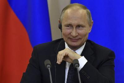 VLADIMIR PUTIN POZVAO MIGRANTE U RUSIJU: MOGLI BI NAS SPASITI