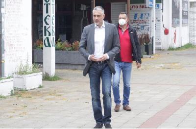 SRBIJANSKI MEDIJI PIŠU O DETALJIMA INCIDENTA: ČEDOMIR JOVANOVIĆ TENISKIM REKETOM TUKAO VLASNIKA KLINIKE PO LEĐIMA I GLAVI