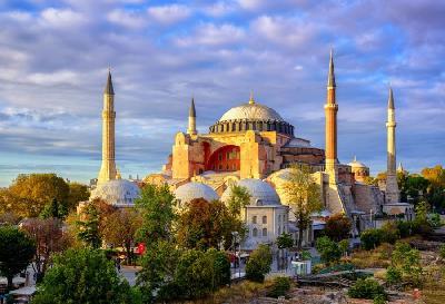TURSKA: ZAVRŠNE PRIPREME ZA KLANJANJE DŽUMA-NAMAZA U AJA SOFIJI NAKON 86 GODINA