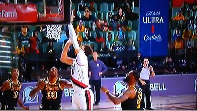 NBA LIGA: SPEKTAKULARAN PREOKRET MIAMIJA BACIO MILWAUKEE NA KOLJENA, HOUSTON POBIJEDIO LAKERSE