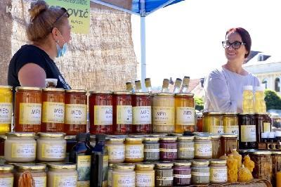 KATASTROFALNA GODINA ZA PČELARE U BIH: ZBOG LOŠIH PRINOSA POVEĆALI CIJENE MEDA