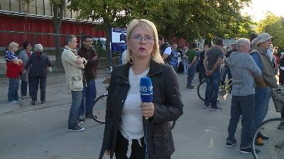 BIHAĆ: GRAĐANI U MIRNOM PROTESTU JOŠ JEDNOM KAZALI DA ŽELE HITNO RJEŠENJE MIGRANTSKE KRIZE