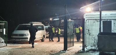 VIŠE MIGRANATA PRIVEDENO NAKON SUKOBA U KAMPU BLAŽUJ, POVRIJEĐENA DVA POLICAJCA