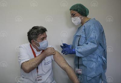 SARAJEVO: OSOBLJE OPĆE BOLNICE DR. ABDULAH NAKAŠ PRIMILO PRVE VAKCINE PROTIV COVID-A
