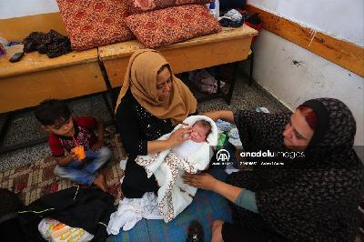 GAZA: PALESTINKA SE PORODILA U ŠKOLI U KOJU SE SAKRILA OD IZRAELSKIH NAPADA