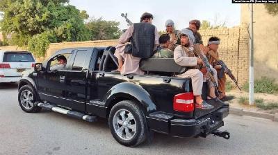 AFGANISTAN: TALIBANI IZVELI NIZ OFANZIVA, ZAUZELI DESETINE OKRUGA