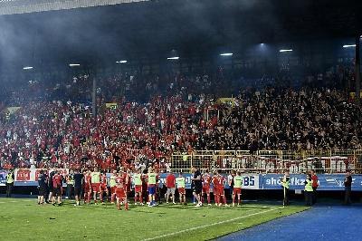 UEFA KAZNILA VELEŽ SA 18.000 EURA ZBOG ISPADA NAVIJAČA NA MEČU PROTIV ELFSBORGA
