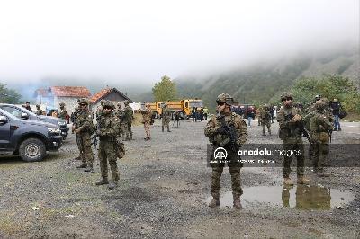 KOSOVO: POČELO UKLANJANJE BARIKADA I POVLAČENJE SPECIJALACA SA GRANIČNOG PRELAZA JARINJE